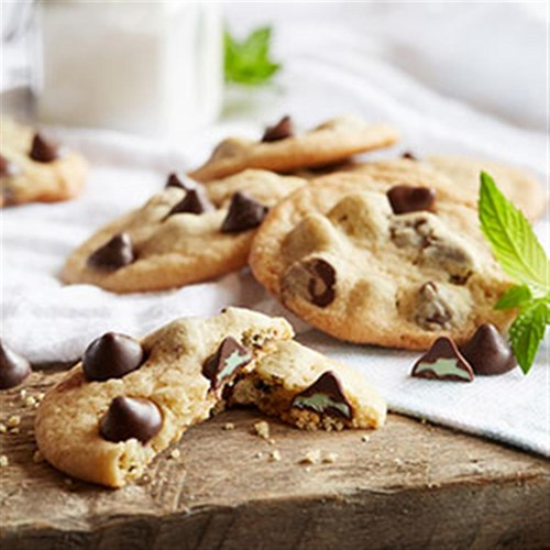 NESTLE® TOLL HOUSE® Mint Filled DelightFulls™ Chocolate Chip Cookies